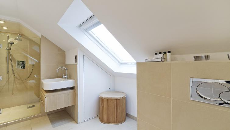 Shower room at Canning Street Apartments