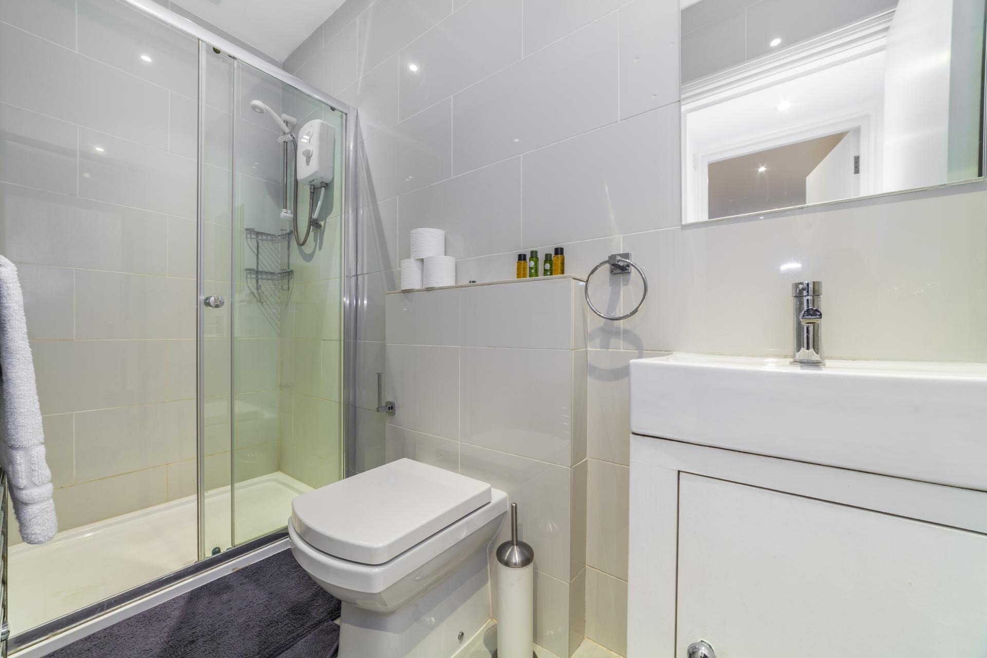 Bathroom at Devonshire Terrace Apartments, Bayswater, London