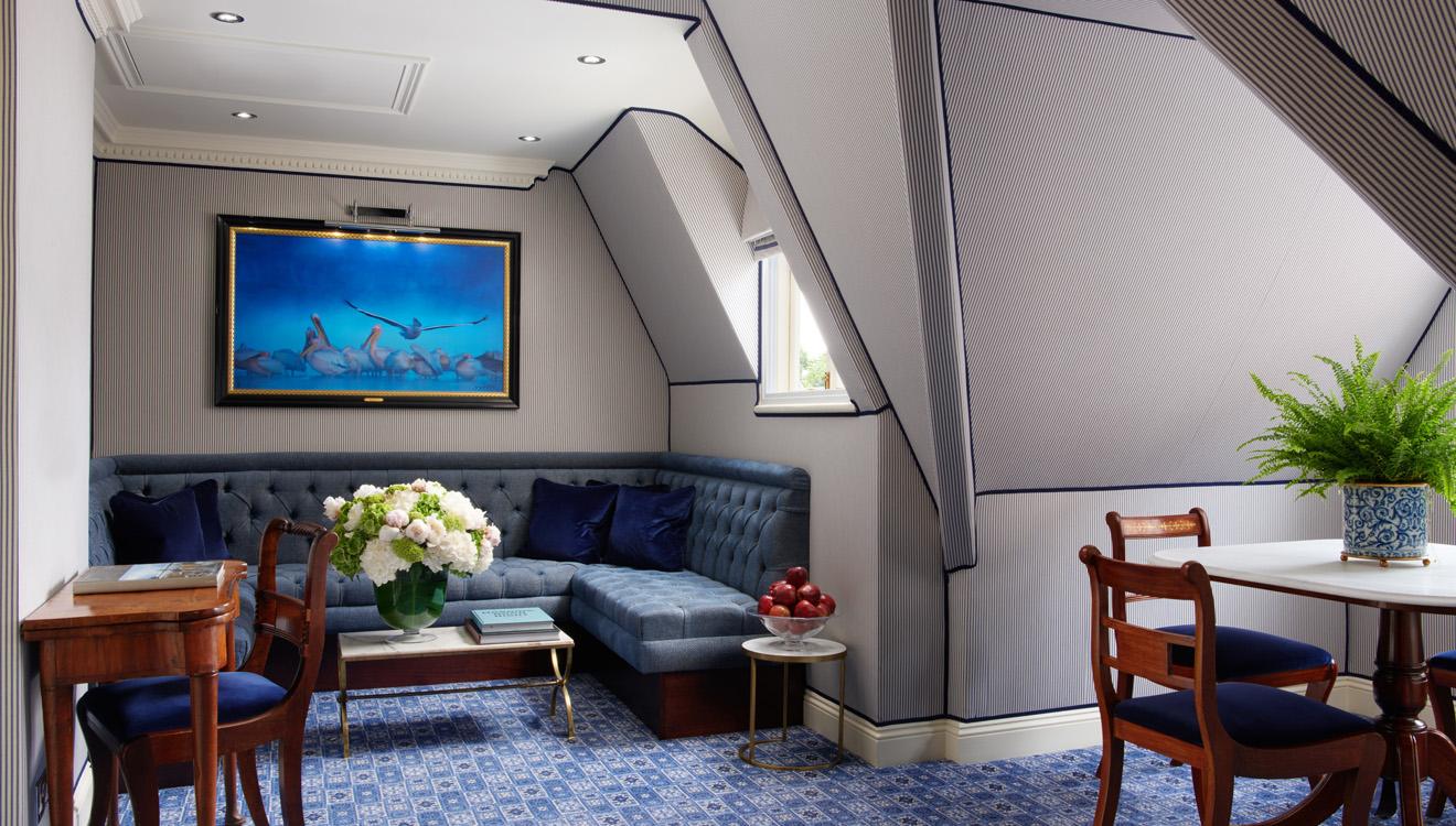 Lounge at Milestone Apartments