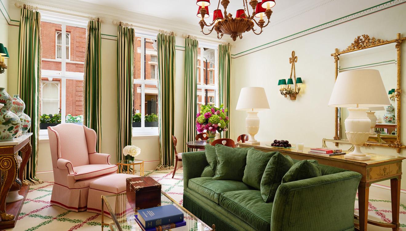 Spacious lounge at Milestone Apartments