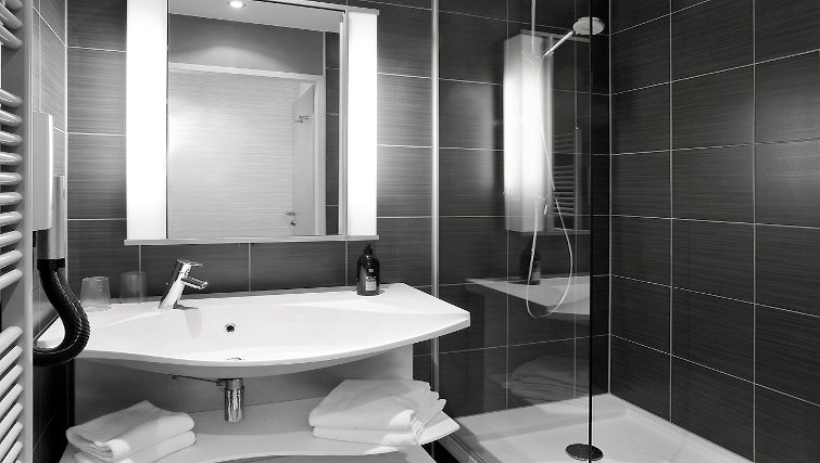 Sophisticated bathroom in Adagio Vienna City