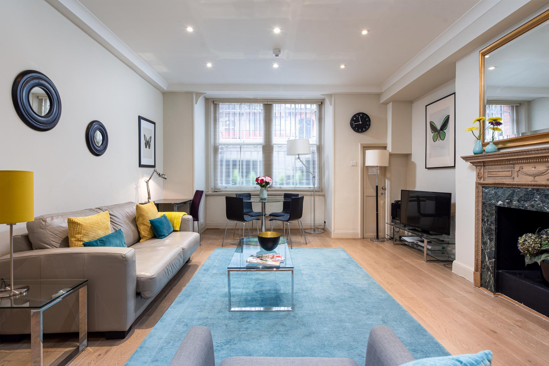 DLiving Room at raycott Place Serviced Apartments, Chelsea, London