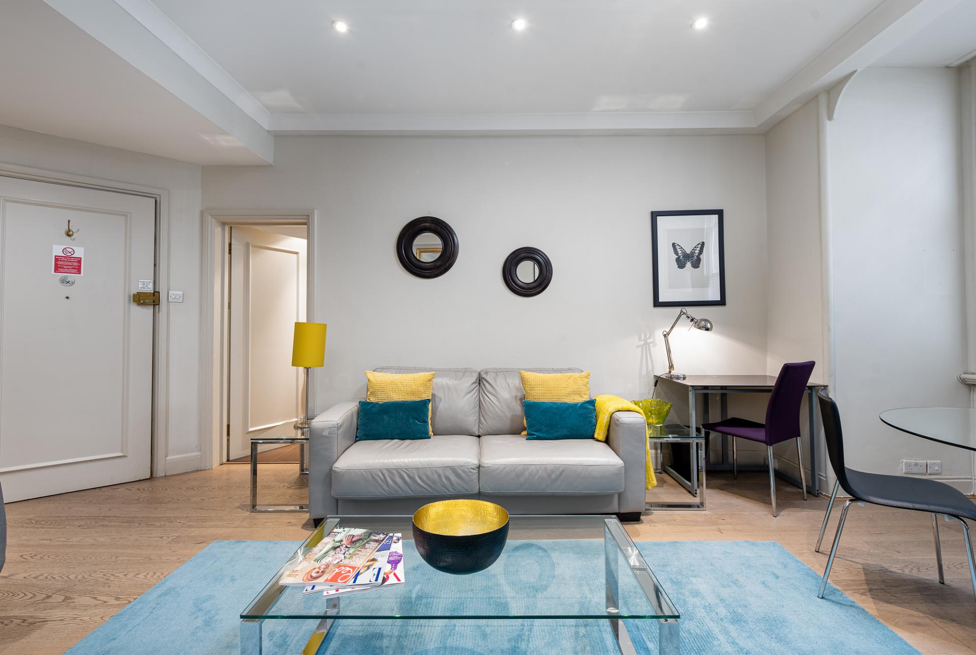Bright lounge at Draycott Place Serviced Apartments, Chelsea, London