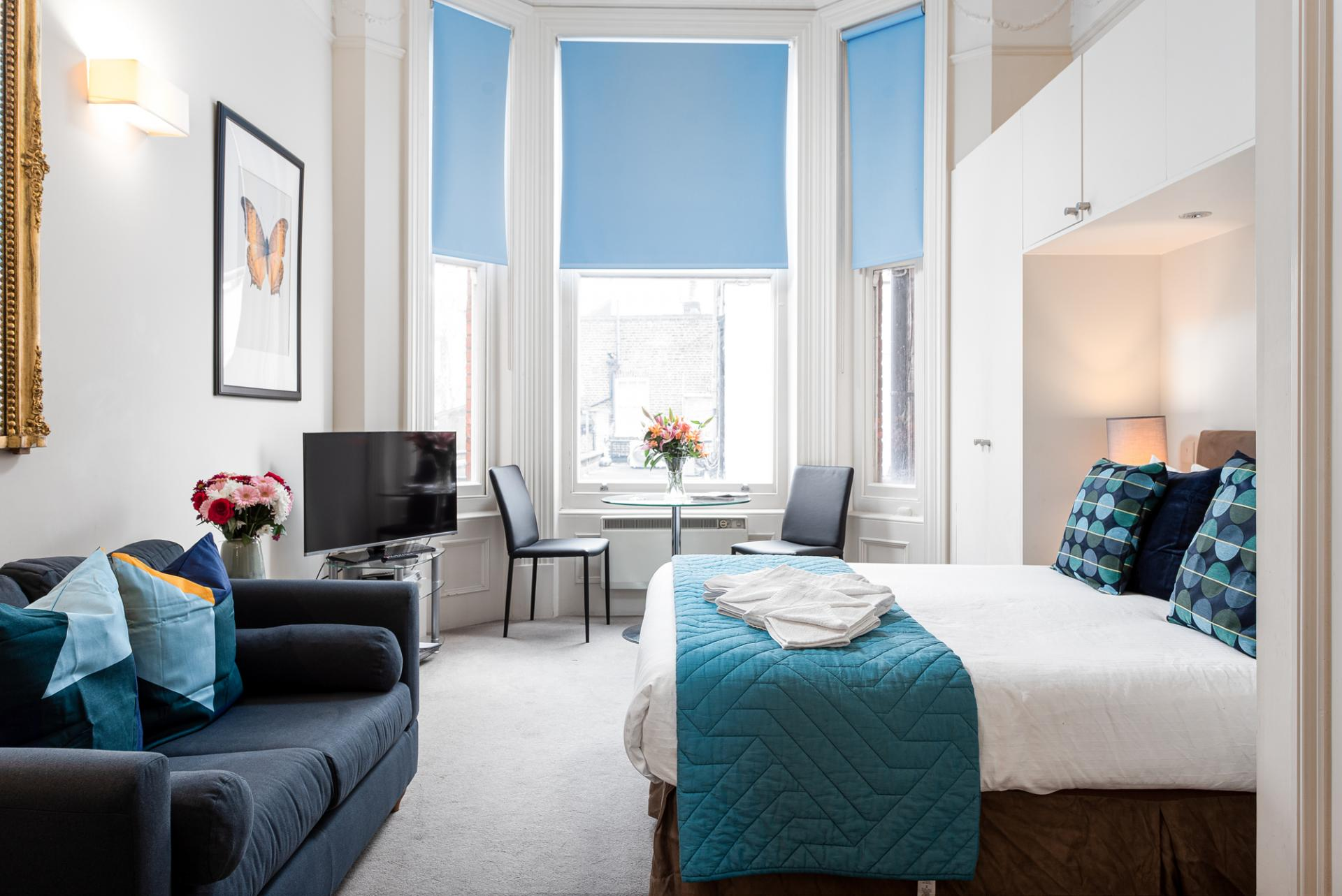 Bright studio at Draycott Place Serviced Apartments, Chelsea, London