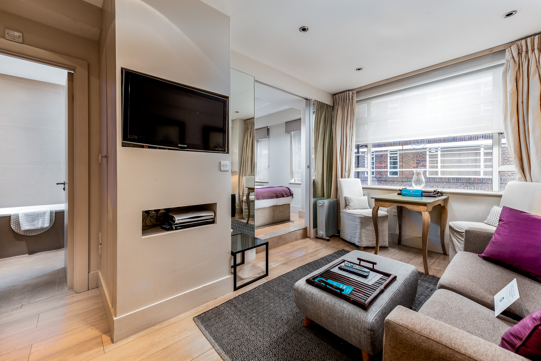 TV at Nell Gwynn House Accommodation, Chelsea, London