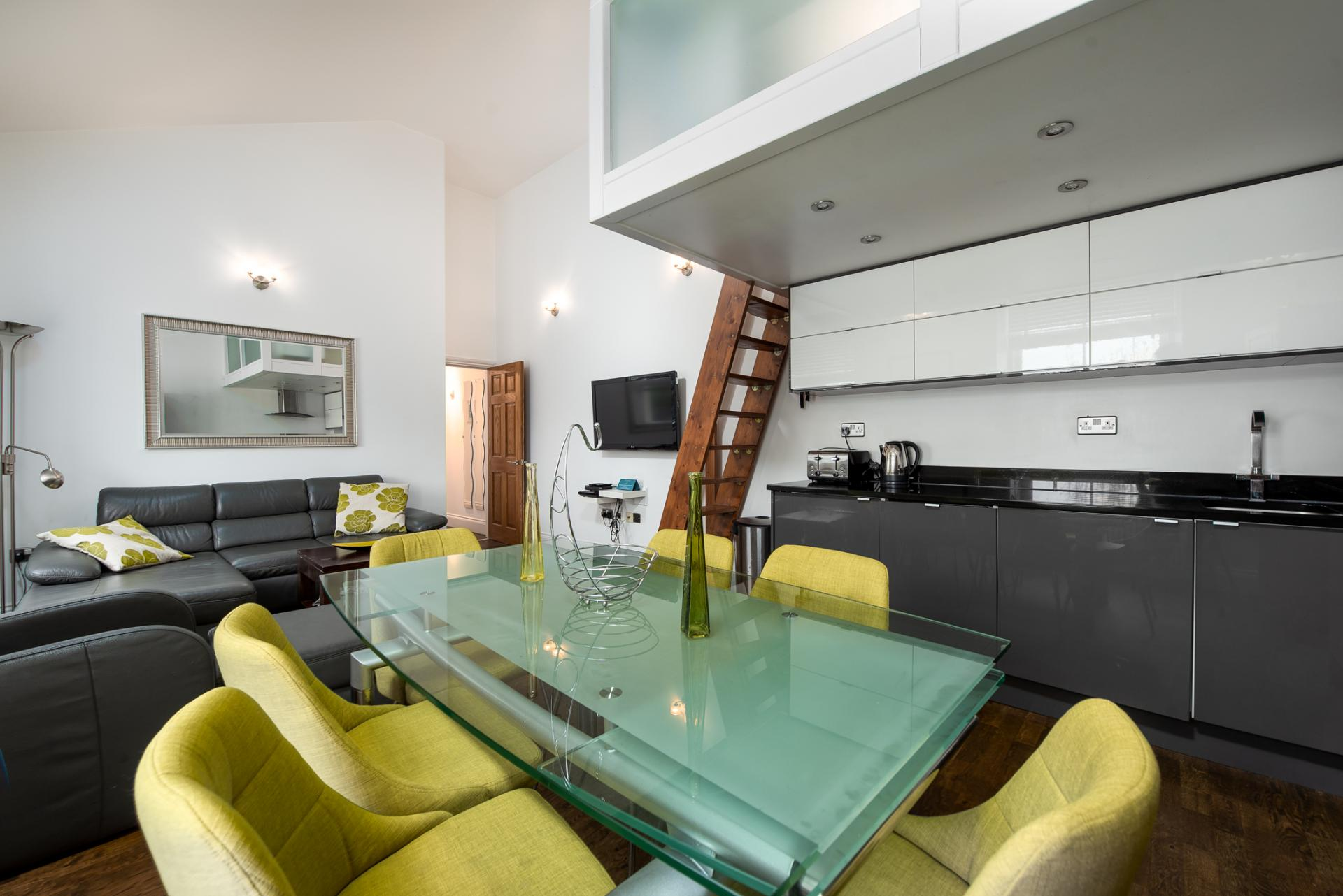 Dining area at Chelsea Green Apartments, Chelsea, London