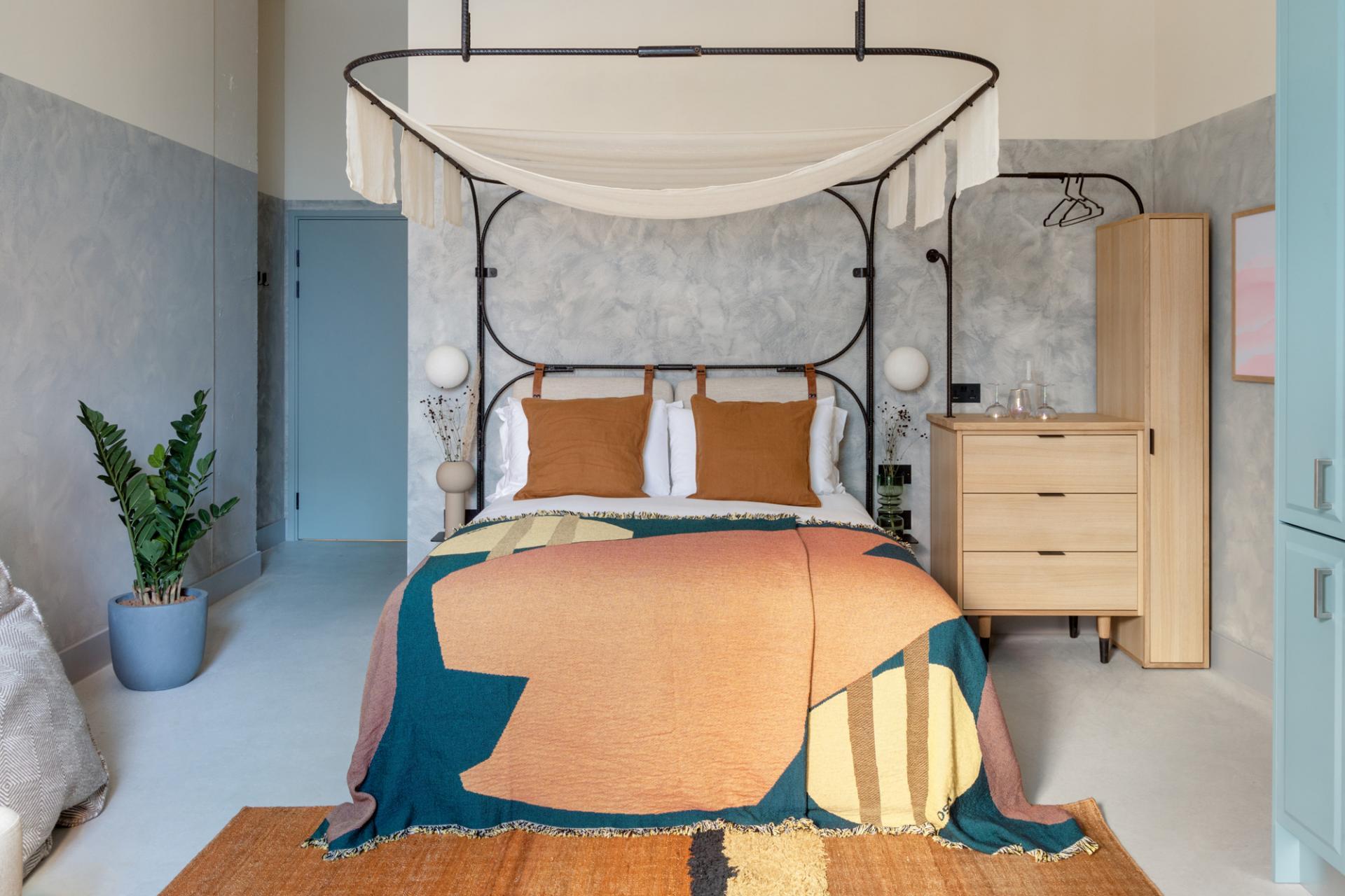 Bed at Bermonds Locke, St Saviours Estate, London