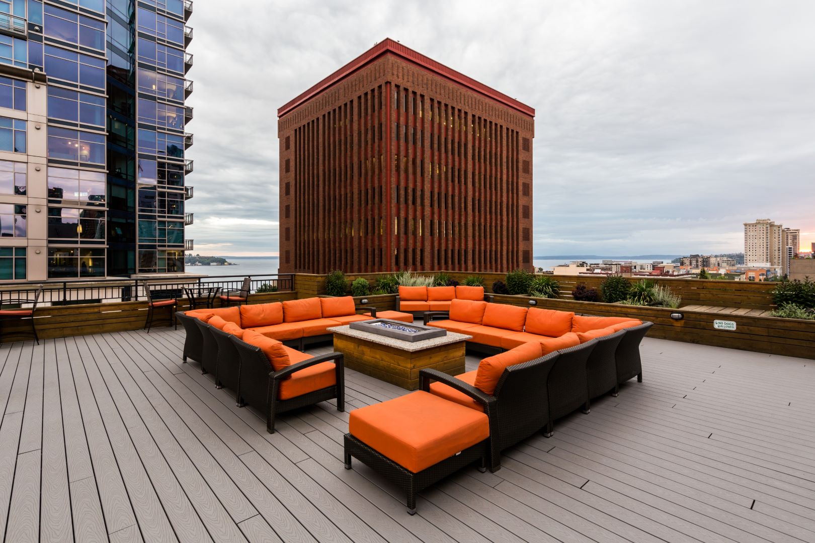 Rooftop lounge at Marq 211 Apartments, Belltown, Seattle