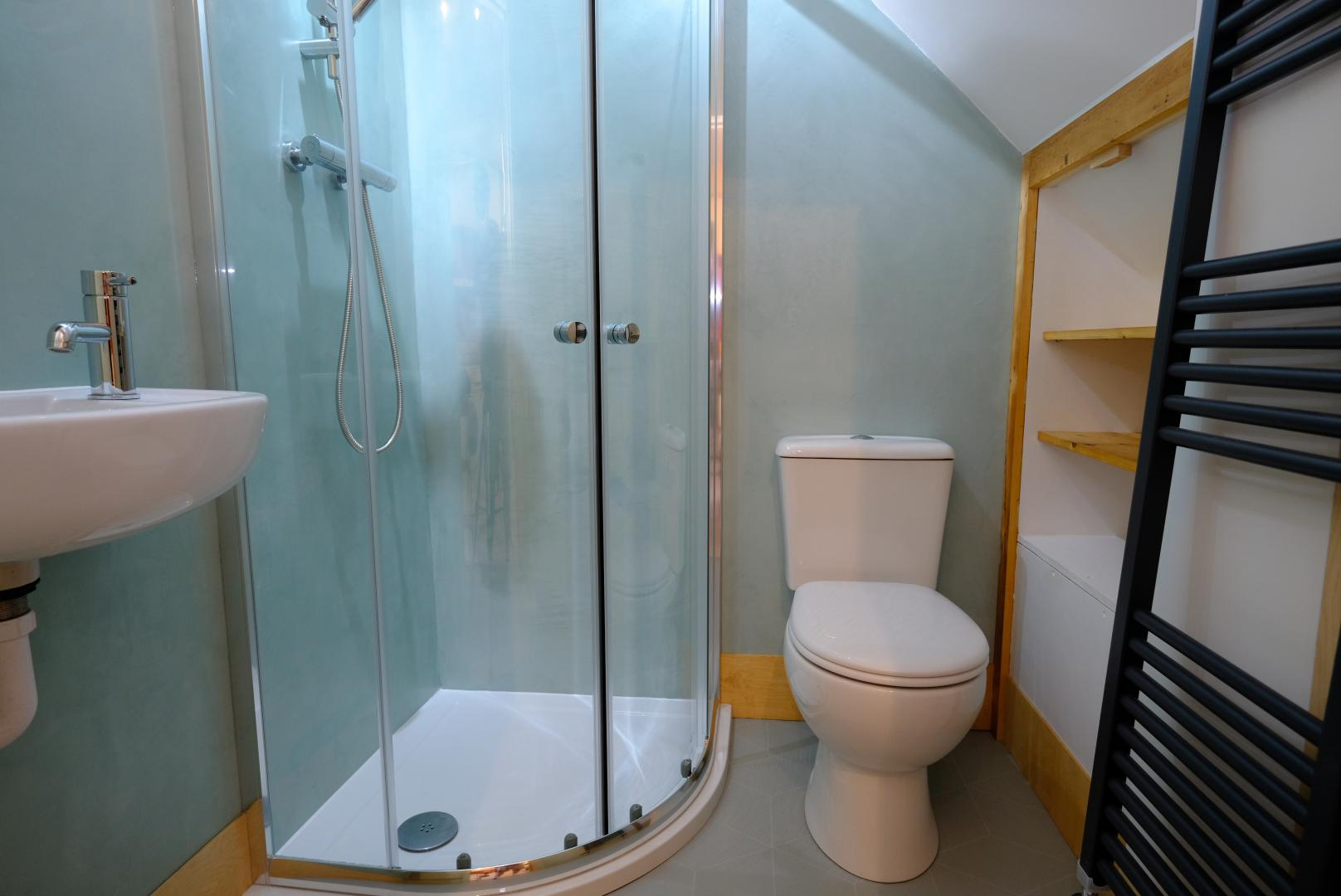 Bathroom at Luckwell Apartments, Bedminster, Bristol
