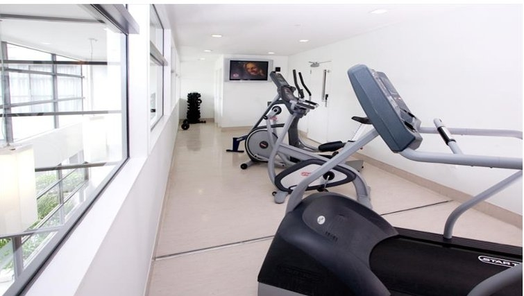 Extensive gym in Quest Parnell