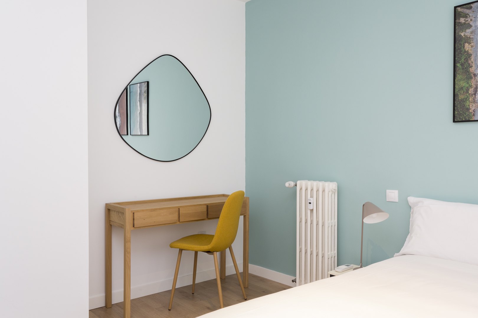Work desk at Calle Gravina Apartment, Centre, Madrid