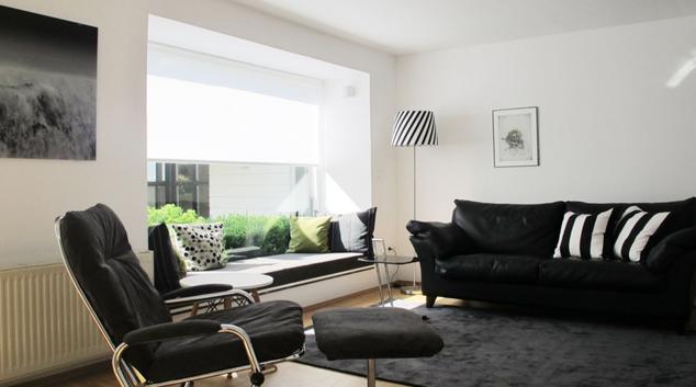 Living area at Munich Gareisstrasse House, Milbertshofen, Munich