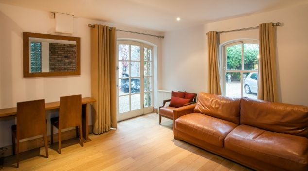 Living room at The Lodge Duplex, Ballsbridge, Dublin