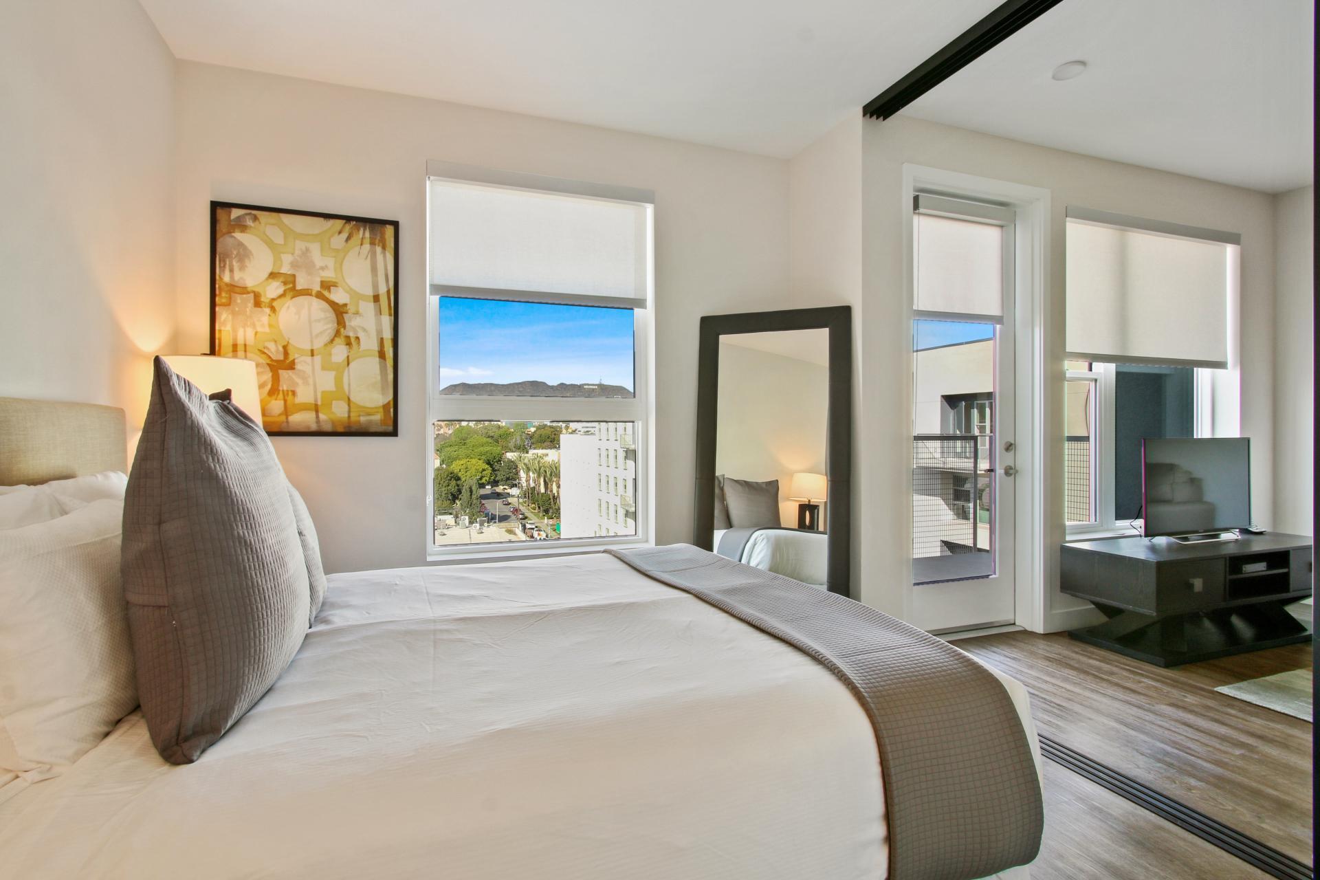 Ava Hollywood Apartments, Los Angeles, SilverDoor Apartments
