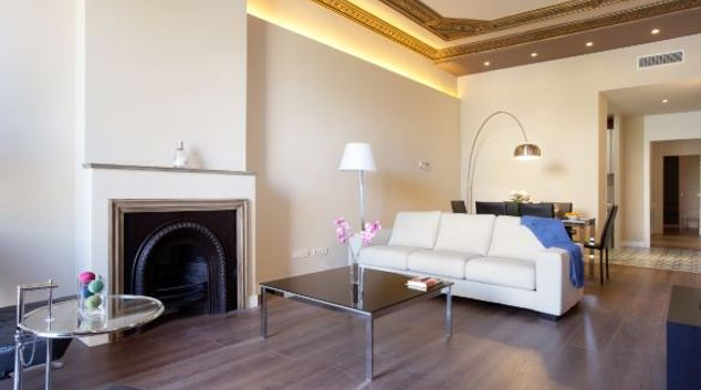 Living area at Muelle Apartments, Gothic Quarter, Barcelona