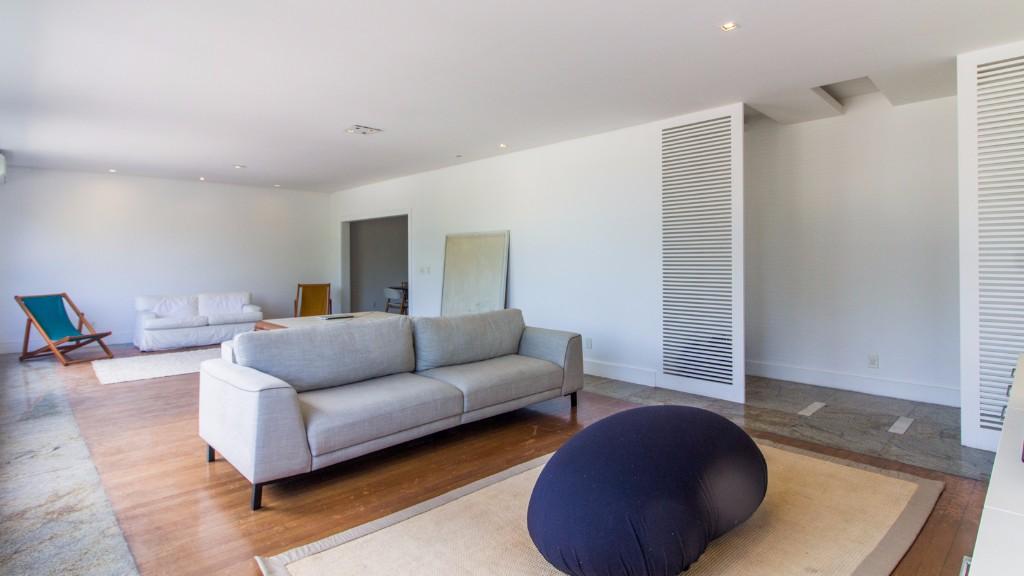 Living area at Zen Tone Apartment, Praia Do Leme, Rio de Janeiro