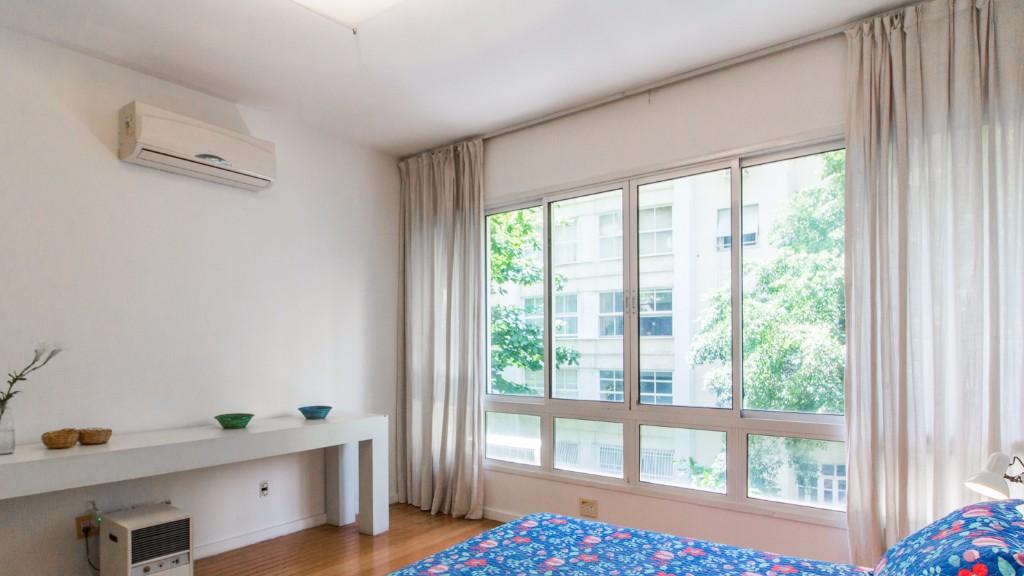 Open bedroom at Zen Tone Apartment, Praia Do Leme, Rio de Janeiro