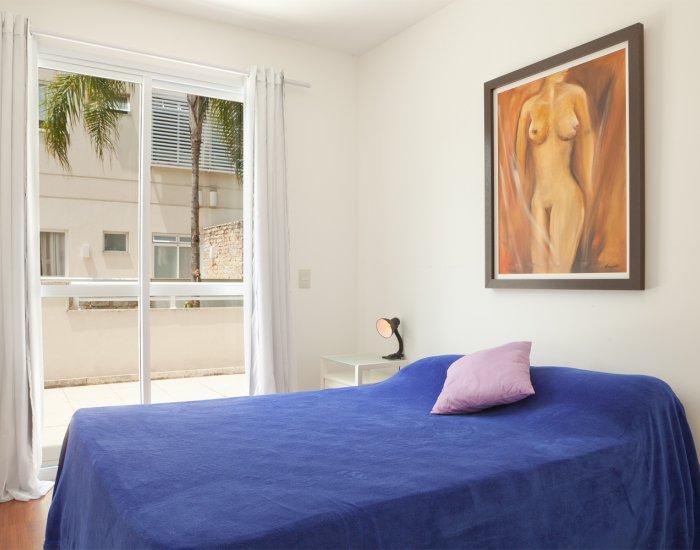 Light bedroom at Paraiso Barra Apartment, Joa, Rio de Janeiro