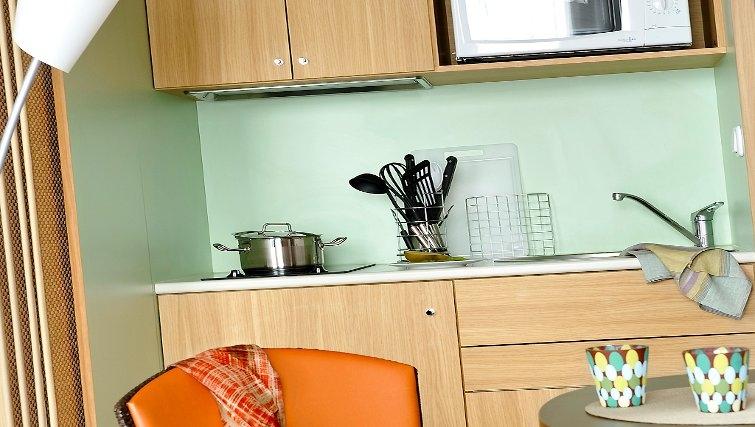 Compact kitchen in Adagio Nantes Centre