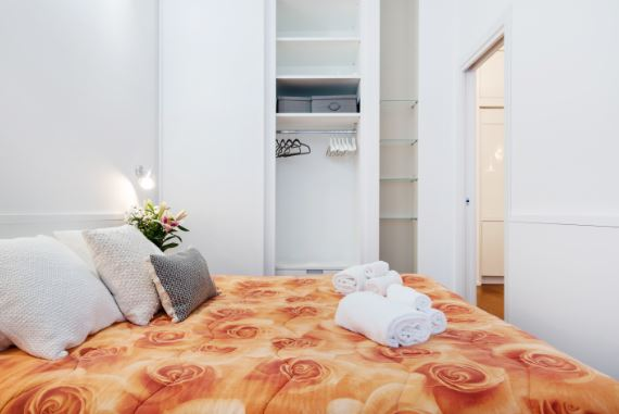 Bed at Blooming Rose Apartment, Ticinese, Milan