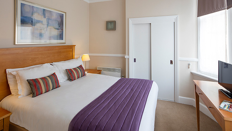 Double bed at SACO Bristol - West India House