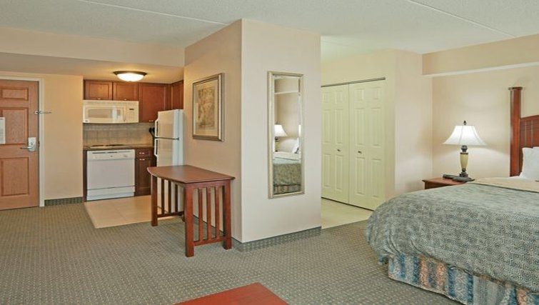 Executive living area in Staybridge Suites-Guelph