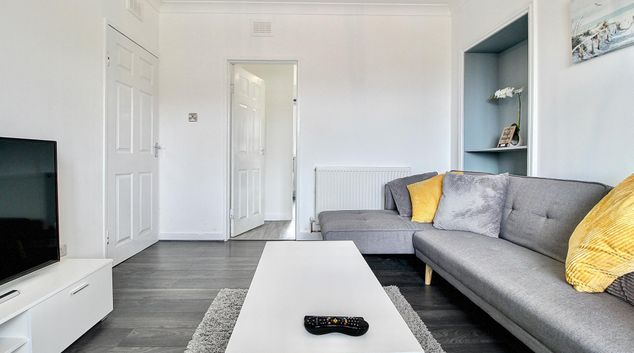 Living area at Barmulloch Central Apartment, Barmulloch, Glasgow
