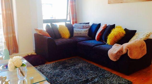 Living area at Manhattan Place Apartment, Ropewalks, Liverpool
