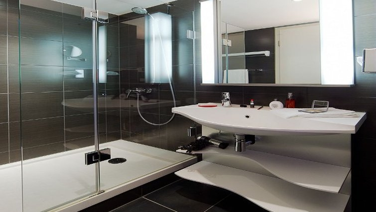Ideal bathroom in Adagio Muenchen City