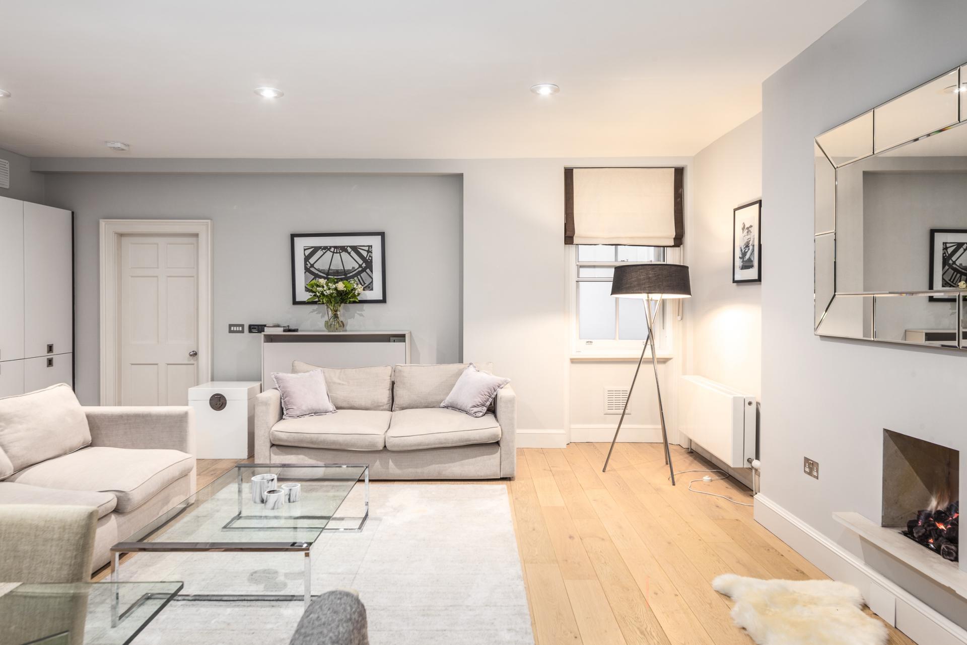 Spacious living area at Mayfair Penthouse Apartment, Mayfair, London