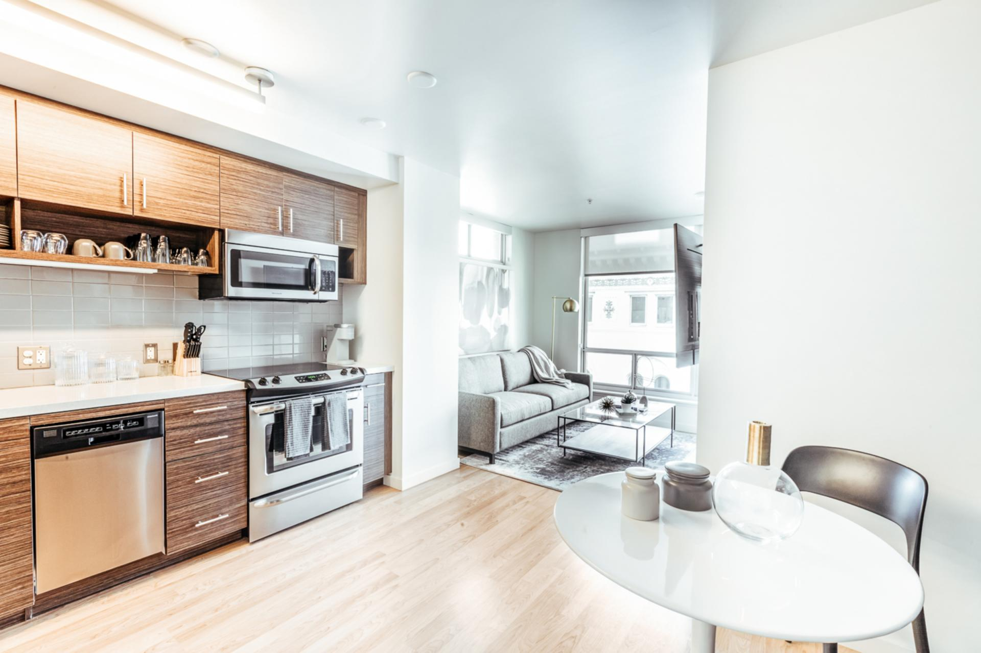 Kitchen diner at Apartments at Etta, Polk Gulch, San Francisco