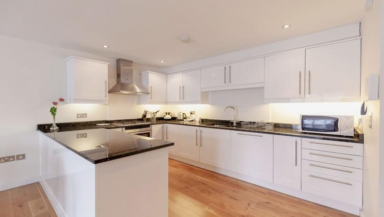 Fantastic kitchen in Marquis Court Apartments