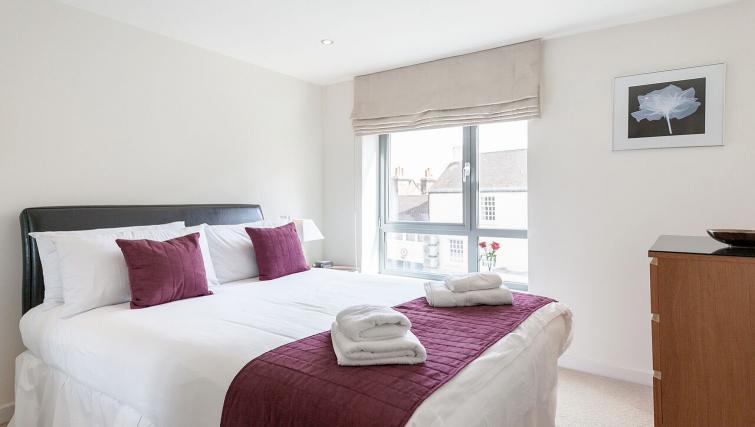 Attractive bedroom in Marquis Court Apartments