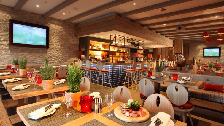 Restaurant  at Lindner Congress Apartments Frankfurt