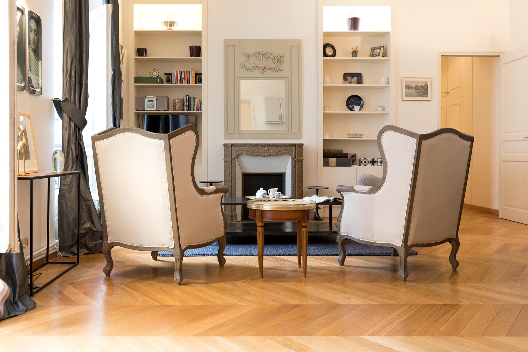 Light sitting area at Apartment Monceau Chic, 9th Arr, Paris