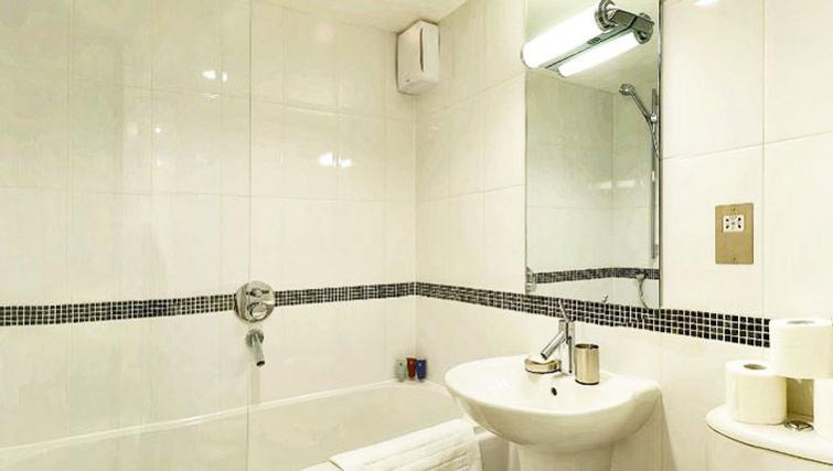 Attractive bathroom in 34 James Street Apartments