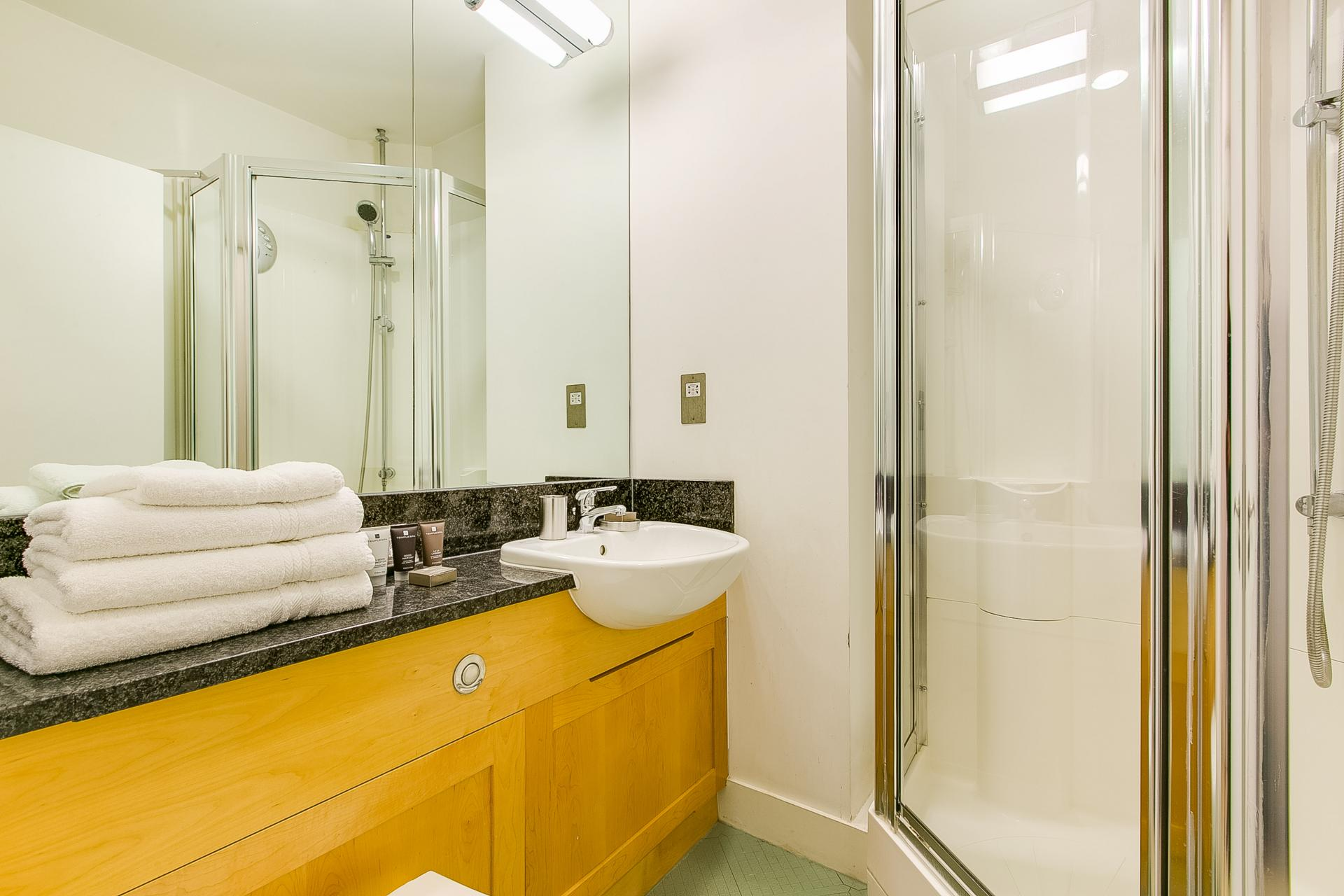 Shower in 34 James Street Apartments