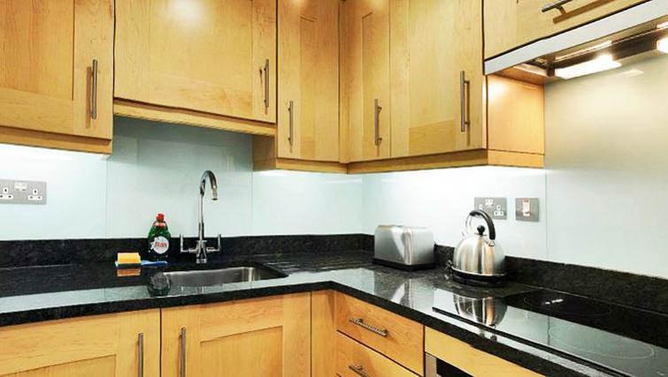 Modern kitchen in 34 James Street Apartments