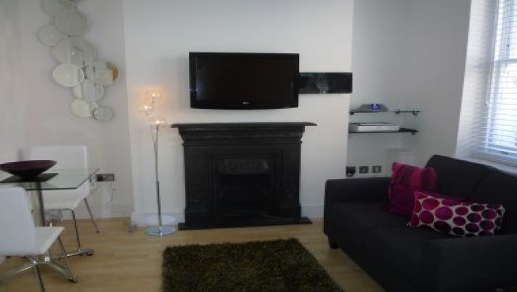 Great living area in 38 James Street