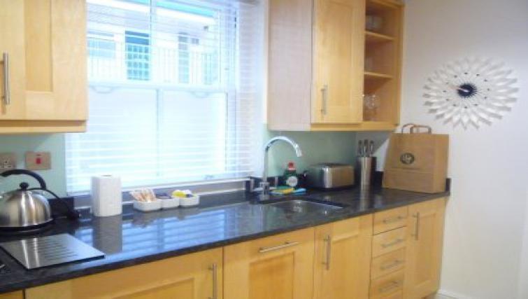 Contemporary kitchen in 38 James Street