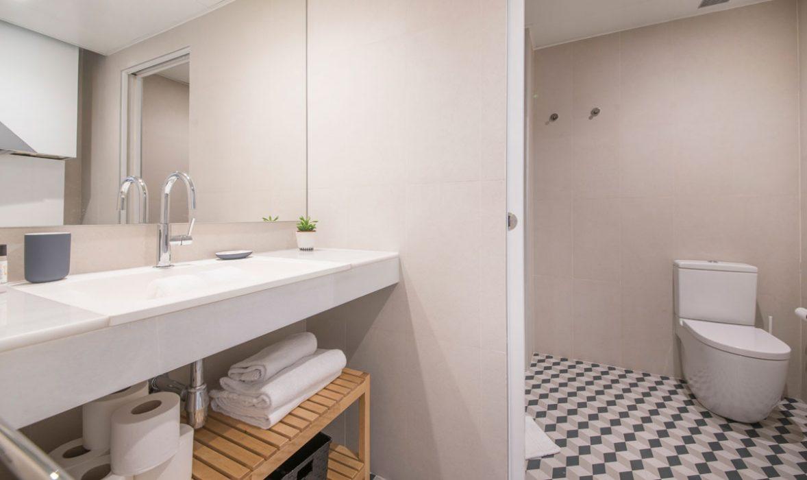 Bathroom at Taulat Apartments, El Poblenou, Barcelona
