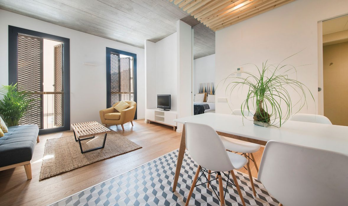 Dining at Taulat Apartments, El Poblenou, Barcelona