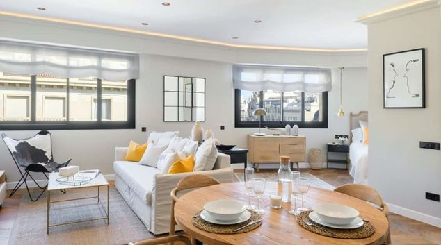 Living area at Passeig De Gracia Apartments, Eixample, Barcelona