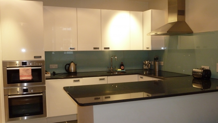 Kitchen in South Molton Street Apartments