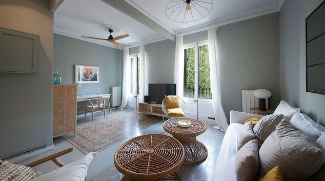 Living area at Calle Enric Granados Apartment, Eixample, Barcelona