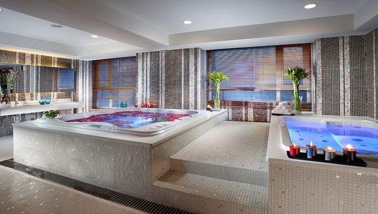 Exceptional spa in Somerset Heping Apartments