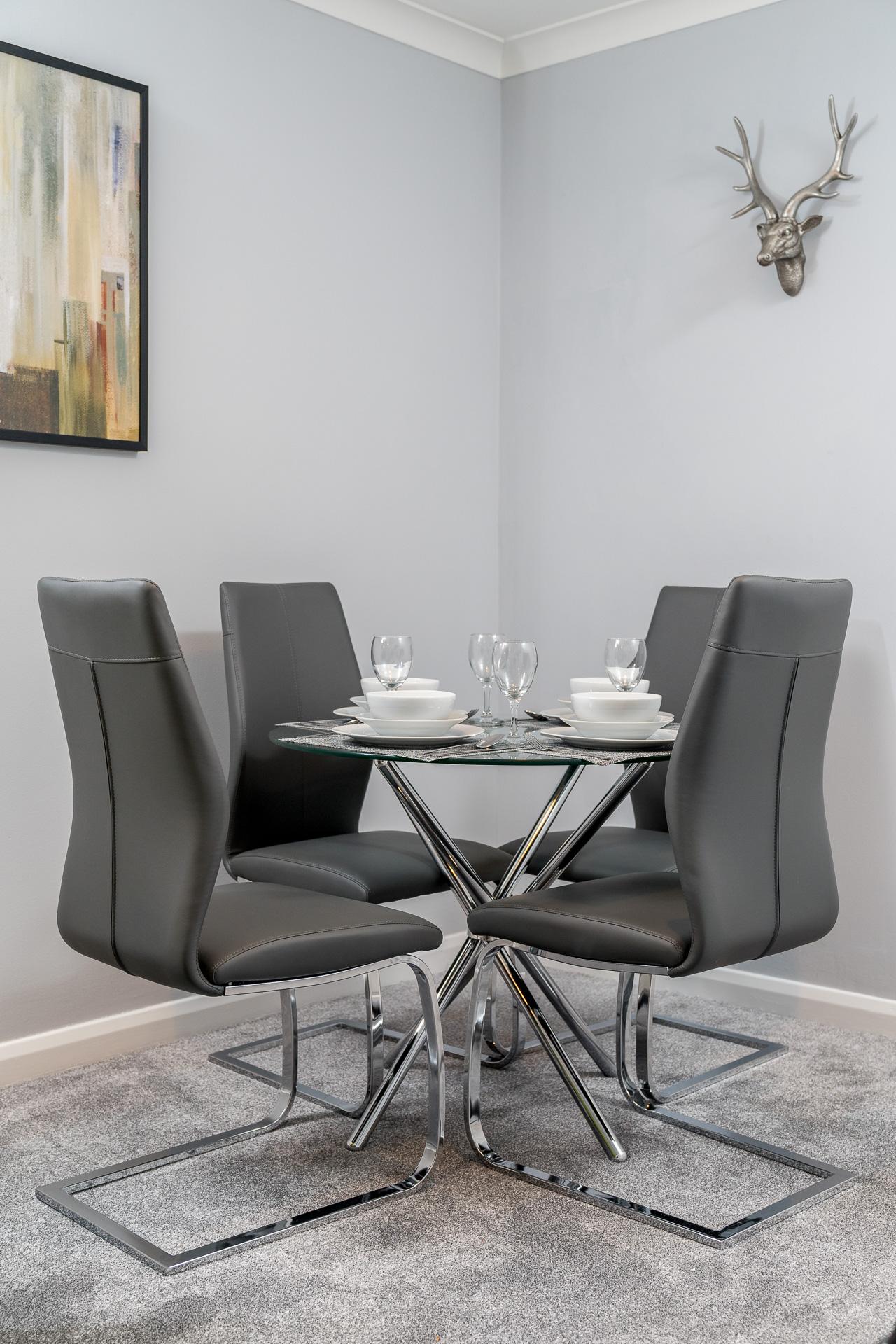 Dining area at Crawley Centre Apartment, Southgate, Crawley