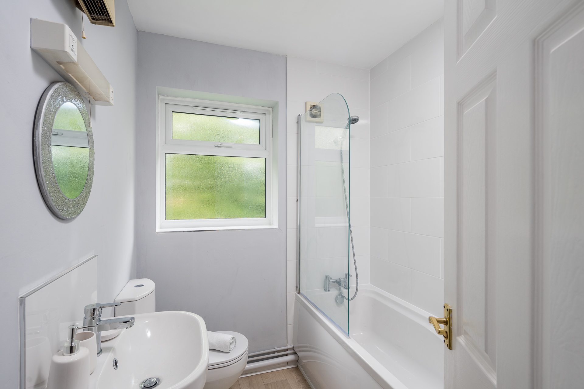 Bathroom at Crawley Centre Apartment, Southgate, Crawley