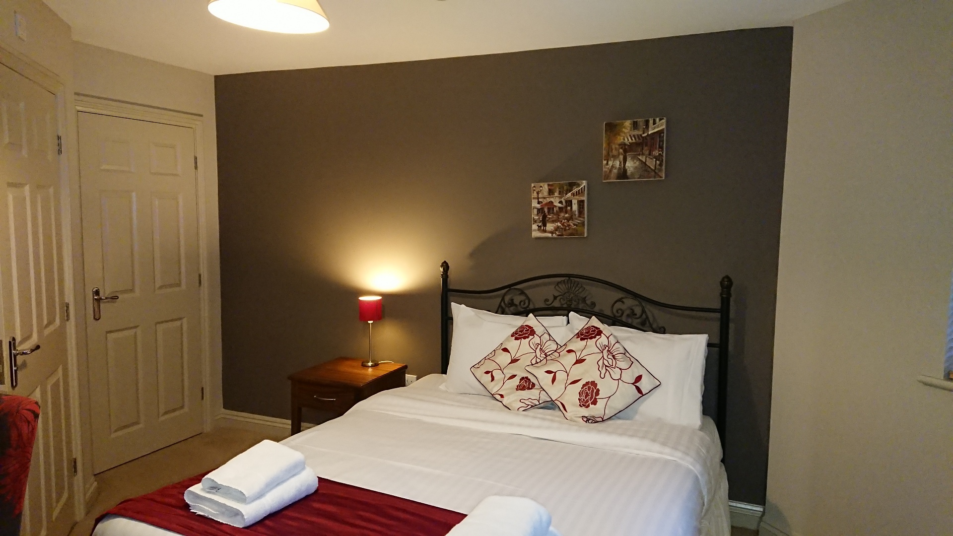 Cosy bedroom at Victoria Cloisters