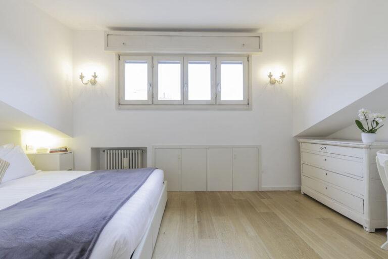 Bright bedroom at Jasmine Attic, Centre, Milan